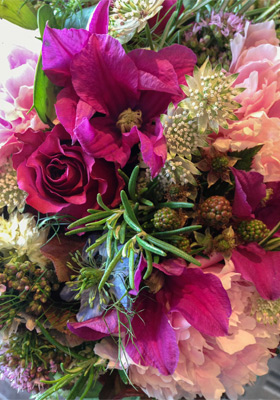 Jen Jakobsen Floral Construction: home page - peony, astrantia and autumn berries